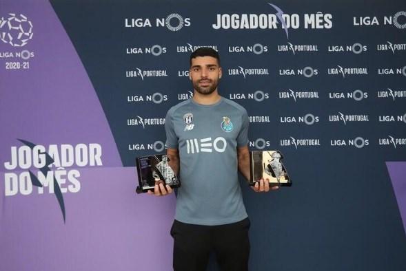 جوایز بهترین مهاجم و بازیکن ماه پرتغال در دستان طارمی