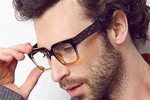 تصویر  افراد عینکی کمتر کرونا میگیرند