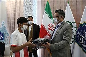 تصویر  در مسابقات گل کوچک، قلب طهران درخشید