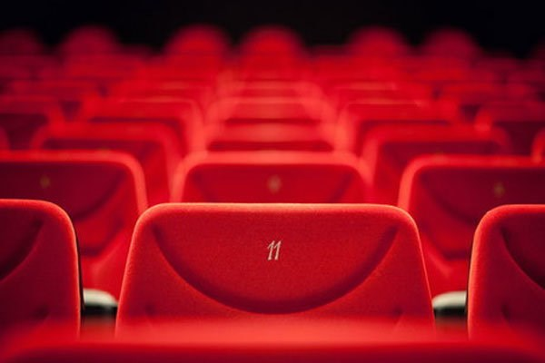 اعلام آمادگی ۸ فیلم برای اکران نوروزی/ احتمال گران شدن بلیت سینما
