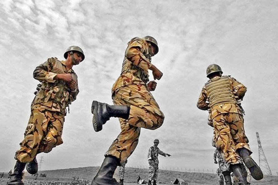 سربازی اجباری یا سربازی حرفه ای؟