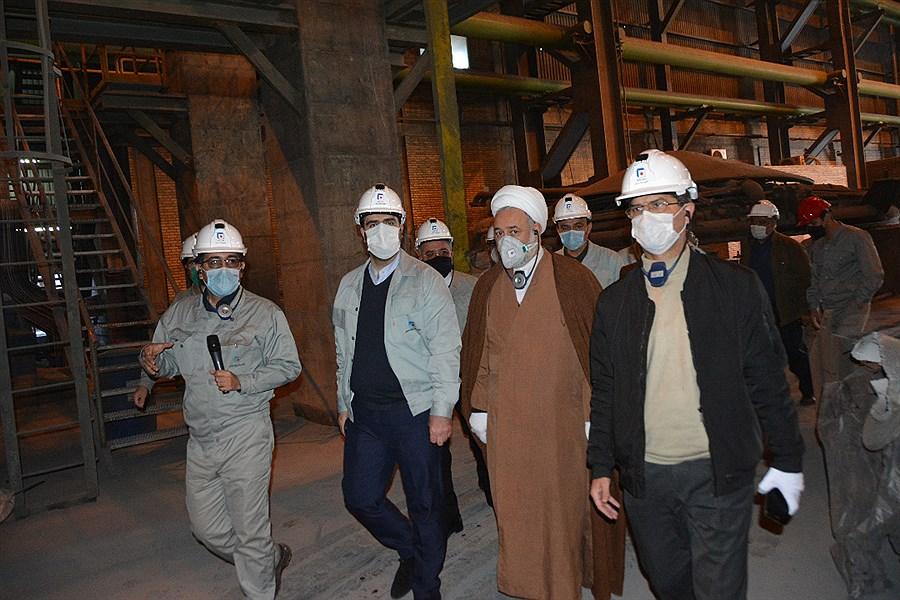 تصویر رییس منطقه ٢ بازرسی کل کشور از مجتمع فولاد خراسان قدردانی کرد