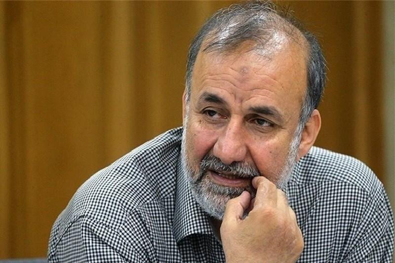 اگر احمدینژاد برای ریاست جمهوری ۱۴۰۰ بیاید، تحلیلها بههم میریزد