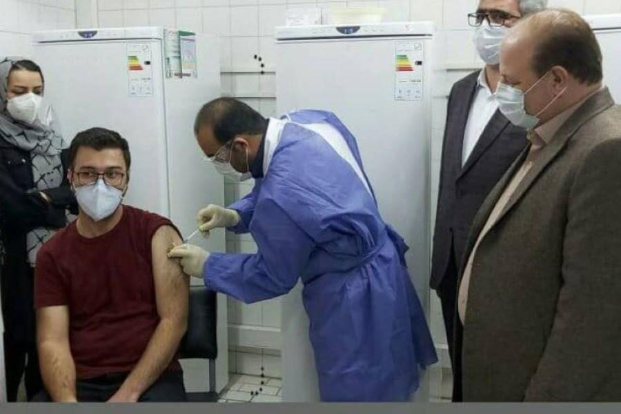 تزریق اولین واکسن کرونا در هشترود
