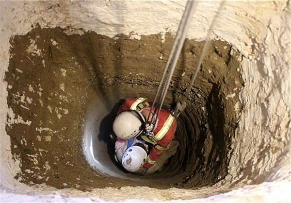 نجات معجزه آسای زن جوان پس از سقوط از ارتفاع در مهریز