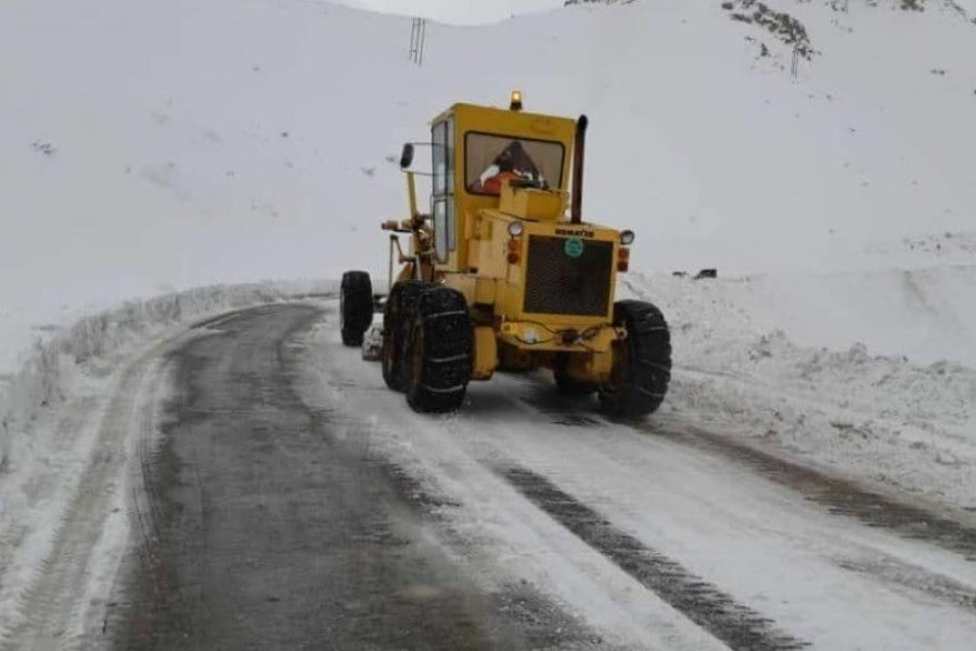 آغاز عملیات بازگشایی گردنه «تته»/20 کیلومتر برفروبی در پربرف ترین گردنه کردستان