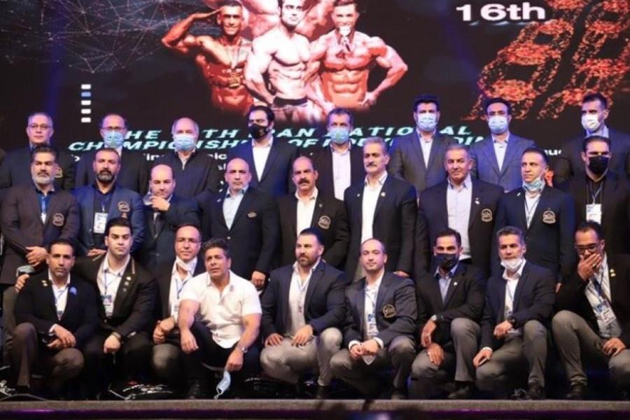 رئیس فراکسیون ورزش مجلس در سالن رقابتهای بدنسازی حضور یافت