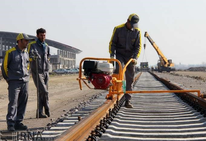 حرکت لاک پشتی در توسعه ریلی کشور/ سایه سنگین بودجه بر سر پروژه های راه آهن