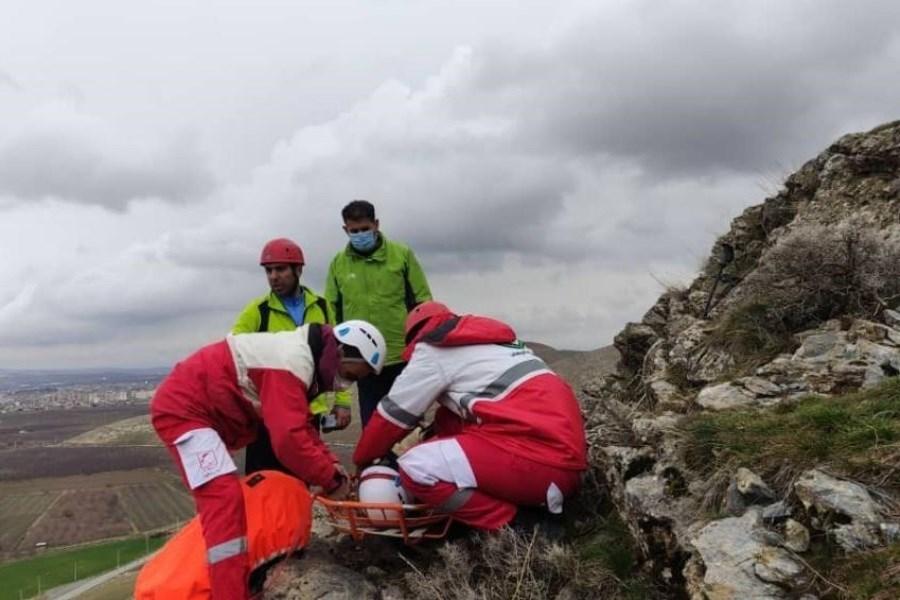 نوجوان 18 ساله گرفتار شده در ارتفاعات سلطان یعقوب نقده نجات یافت
