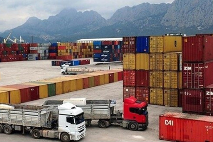کاهش 15 درصدی واردات از گمرکات آذربایجانغربی طی سال گذشته/رشد 62 درصدی صادرات