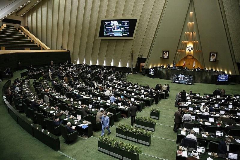 امکان سلب نمایندگی مجلس با تصویب کمیسیون آیین نامه