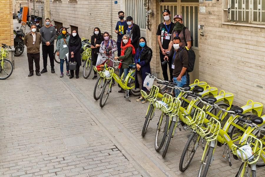 اولین تور گردشگری و عکاسی با دوچرخه در قلب طهران