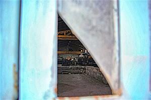 تصویر  گرد و خاک بی رمقی روی چرخ های تولید