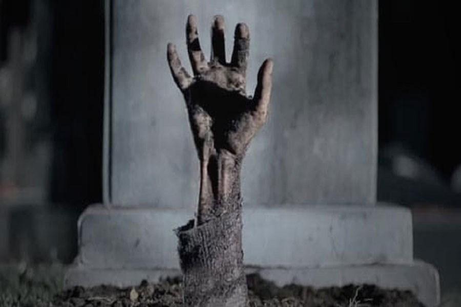 تصویر رخدادهای ترسناک جهان / از بلعیده شدن توسط قبر تا خونریزی دیوار +تصاویر