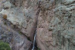 تصویر  ابلاغ مراتب ثبت ملی ۶ اثر طبیعی به استاندار کرمان