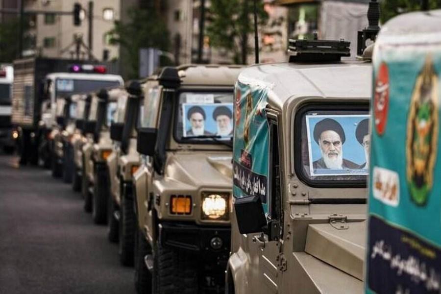 رژه خودرویی روز ارتش در زنجان