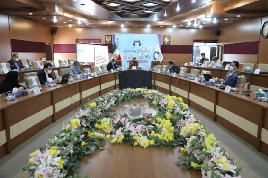تاکید رئیس دانشگاه علوم پزشکی قم بر پوشش صد در صدی بیماران کرونایی