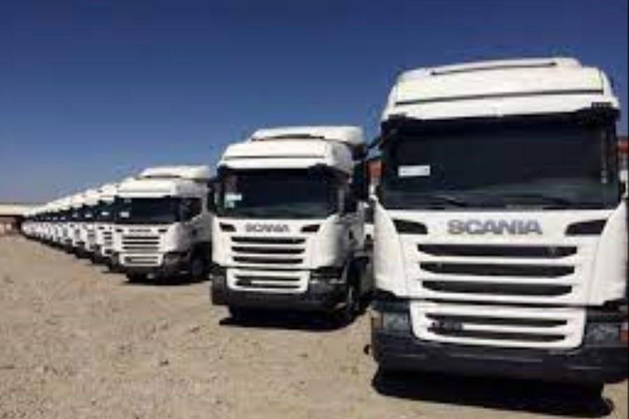 تردد کامیونها در مرز دوغارون با افغانستان به حالت عادی برگشت
