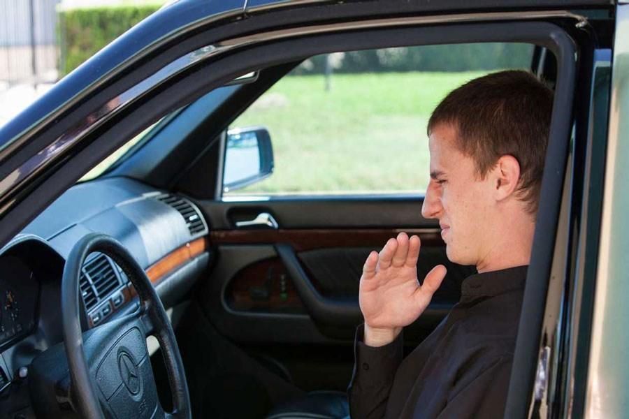 تصویر چند گام موثر برای رهایی از بوی بد کولر ماشین