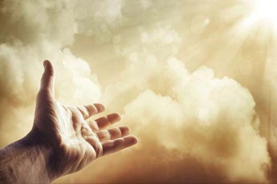 خداوند؛ برای گناهکاری که به سوی او بازگردد مشتاقانه آغوش باز می کند