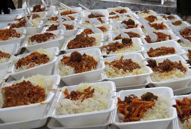 تصویر طعام نیازمندان با «نان مهربانی» در لیالی قدر