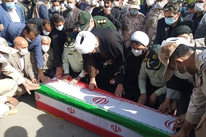 تصویر مراسم تشییع شهید مرزبان هنگ مرزی مریوان برگزار شد