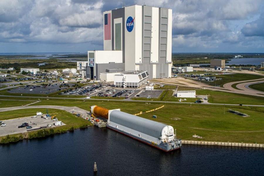 تصاویری از محل استقرار جزء اصلی سیستم پرتاب فضایی ماموریت «آرتمیس» ناسا