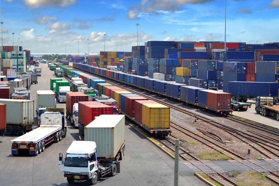 صادرات بیش از 84 هزار تن کالا از مرز زمینی آستارا