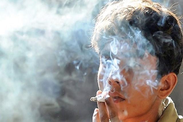 مصرف مواد مخدر در قهقرای سیاست
