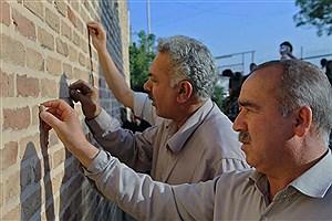 تصویر  سنتی که امروز در باغهای هزار ساله اجرا میشود/ گرفتن حاجت از دیواره آب انبارها
