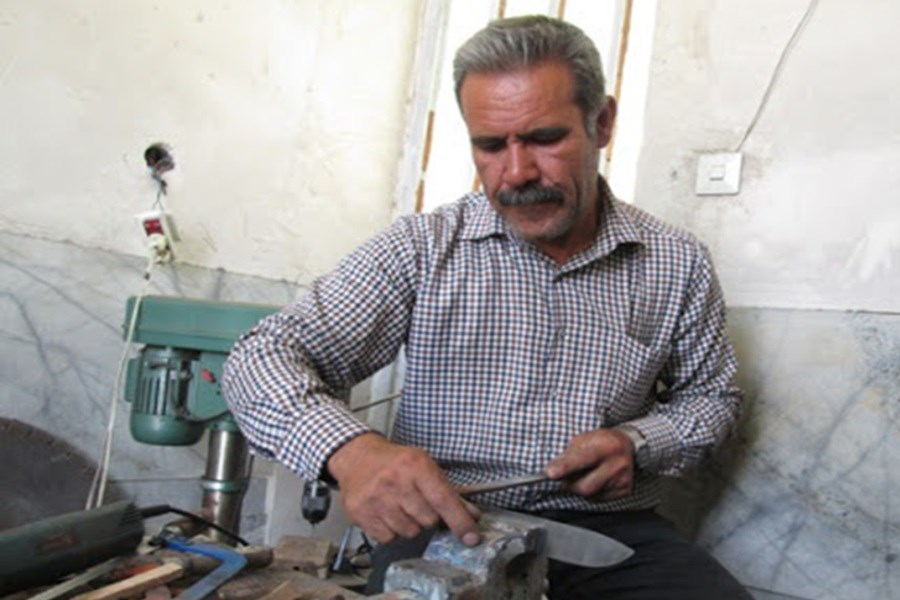 تصویر احیای صنایع دستی منسوخ نیریز