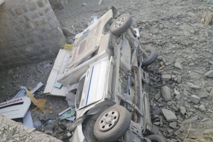 در اثر واژگونی آمبولانس بیمارستان بقیه الله بشاگرد 4 تن زخمی شدند