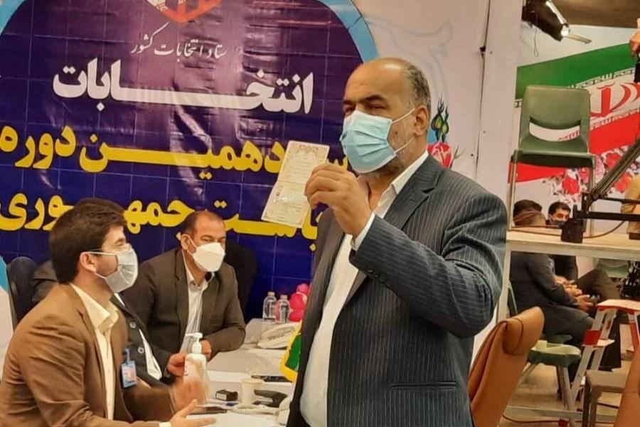 ثبت نام نماینده مردم مهریز در انتخابات