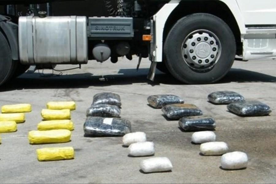 توقیف محموله مواد مخدر در آزادگان/  جاسازی 163 کیلو تریاک در بار خرما