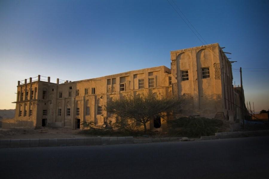 تصویر نیاز 400 میلیاردی قلعه تاریخی بندرلنگه به اعتبار  برای مرمت