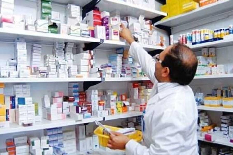 تصویر علت فروش داروهای کرونا در ناصرخسرو جیست؟