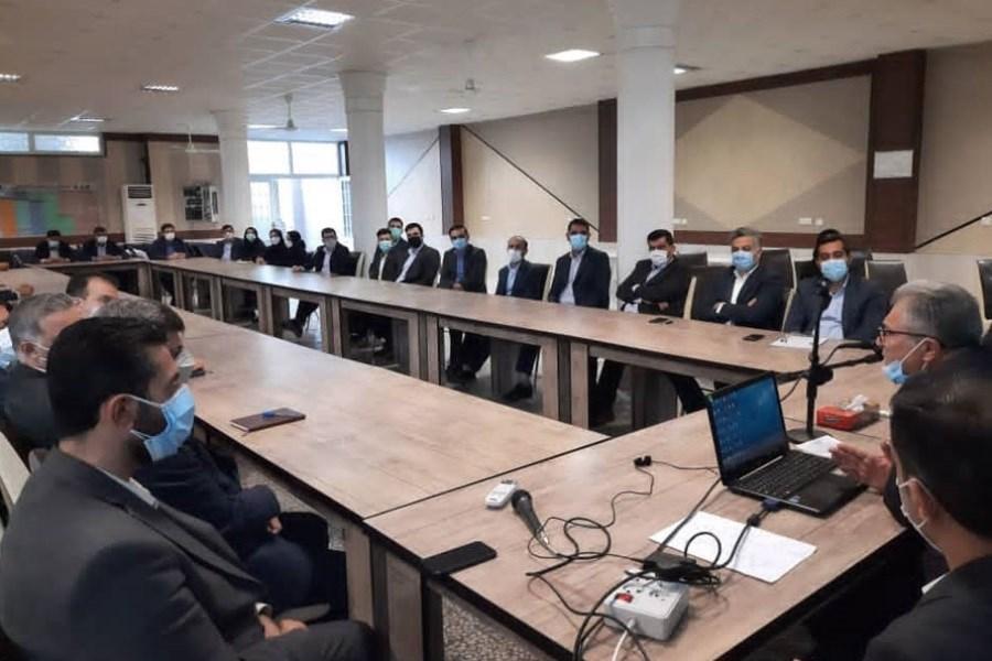 دومین گردهمایی روسای شعب استان فارس بانک ایران زمین برگزار شد