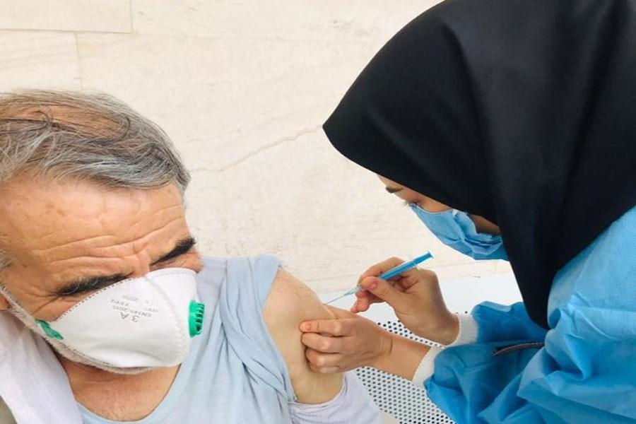 ۲ هزار و ۷۰۰ سالمند بالای ۷۵ سال در خمین واکسیناسیون شدند