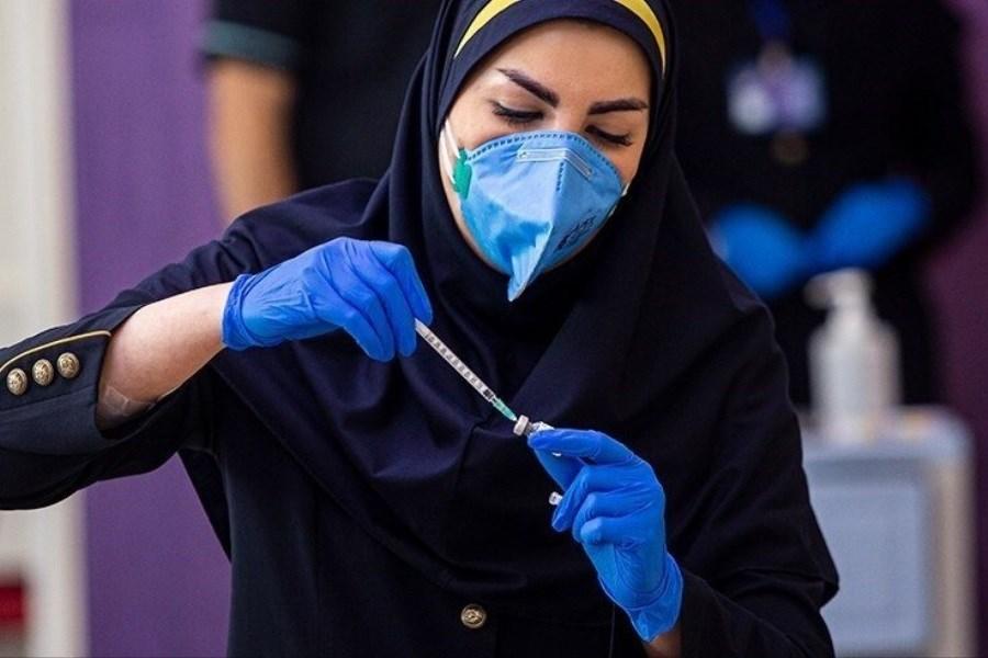 تصویر تزریق نخستین واکسن ایرانی به ۱۰ هزار داوطلب