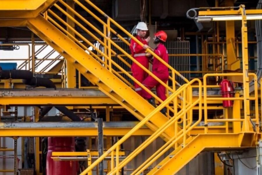 ایران برای افزایش عرضه نفت به بازار آماده میشود
