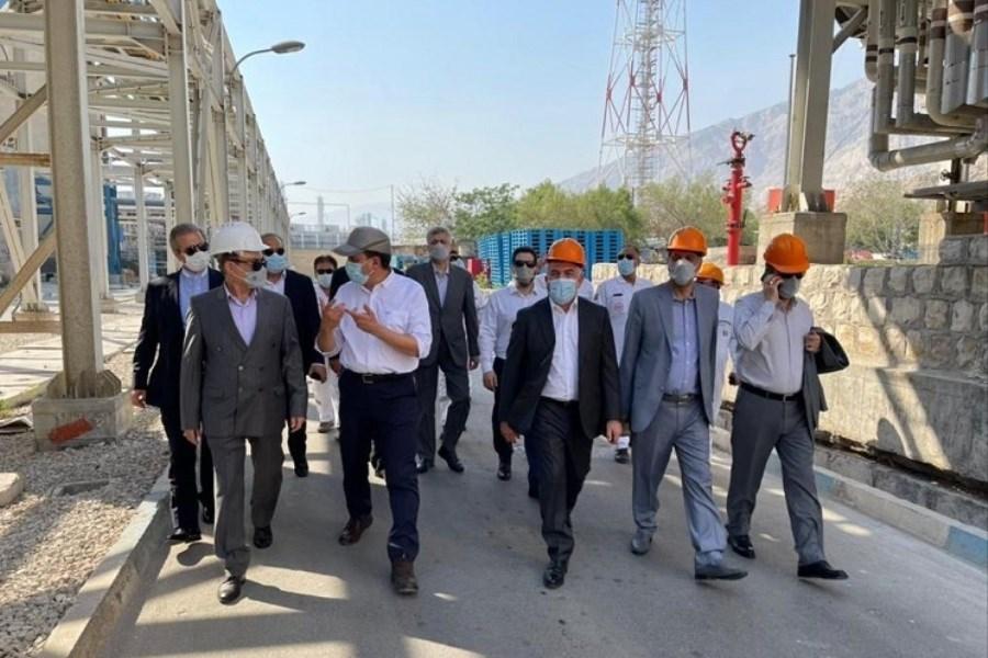 مدیرعامل بانک ملت از فعالیت های گروه صنعتی فاتح بازدید کرد