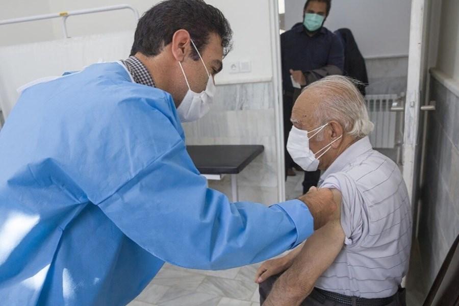 پنج صبح در صف باشید/ سردرگمی گروه سنی بالای 70 سال از تزریق واکسن