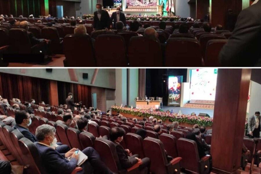 با حمایت بانک ایران زمین همایش ملی اسوه های ایثار برگزار شد