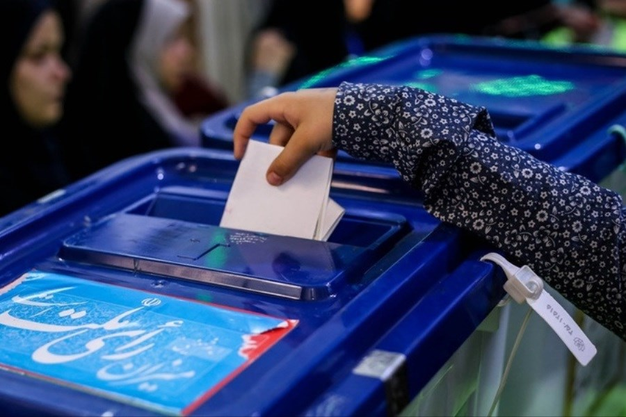تصویر مشارکت در انتخابات یک اقدام شخصی است/ اسلام مخالف دخالت در امور مردم است