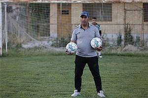 تصویر  گلایه سرمربی از رها شدن تیم گل ریحان البرز