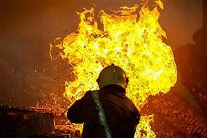 تصویر  انفجار در کارخانه فولاد زرند ایرانیان/سرریز شدن مواد مذاب علت آتشسوزی بوده است