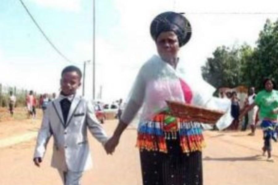 ازدواج جنجالی پسر 8 ساله با زن 60 ساله