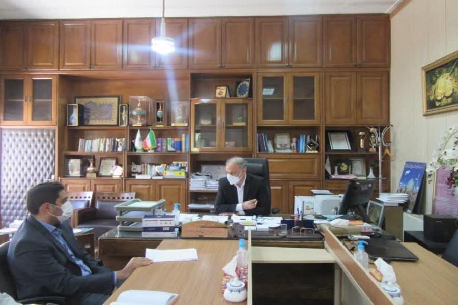 تصویر دیدار سرپرست اداره کل کتابخانههای عمومی استان با مدیر کل امور مالیاتی استان اصفهان