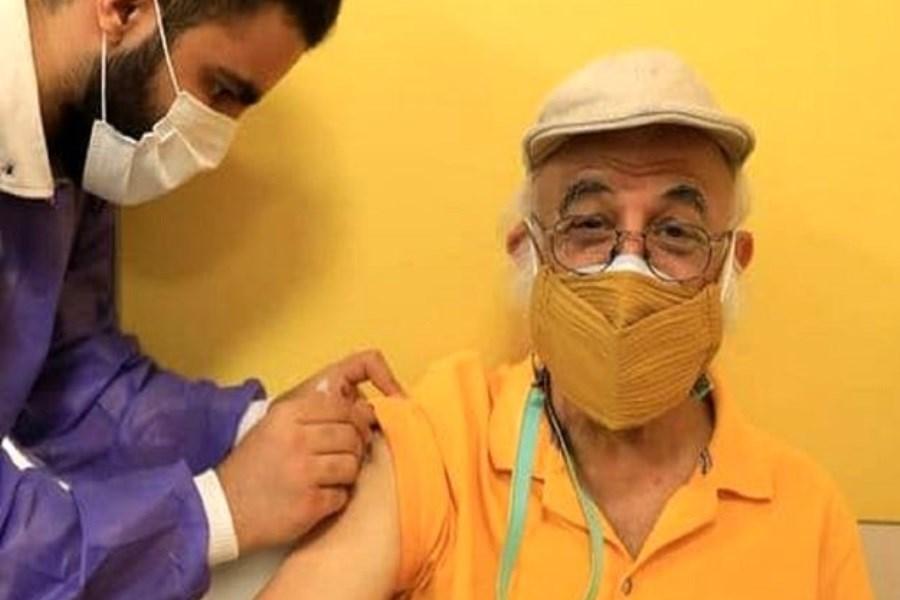 تصویر هنرمندان سرشناس در حال واکسن زدن