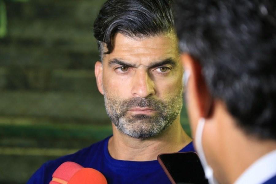 فوتبال ایران یک سر و گردن از بحرین بالاتر است